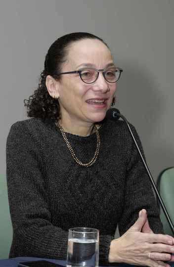 Benigna Maria de Oliveira, pró-reitora de Graduação: importância da divulgação científica