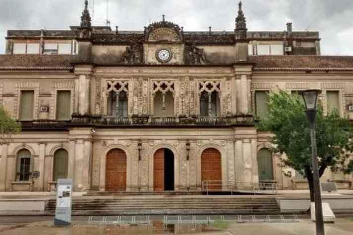 Universidad del Litoral, na Argentina, cede professores para a formação