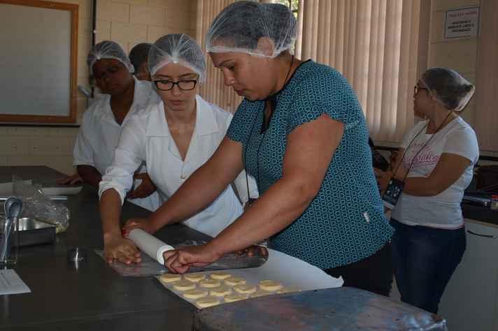Oficina de boas práticas de fabricação de alimentos pela agricultura familiar foi uma das atividades oferecidas durante o evento