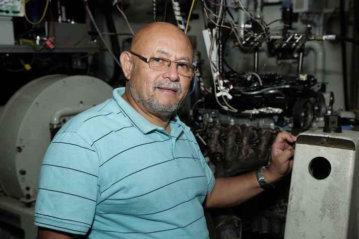 Ramon Molina coordena o Laboratório de Análise da Combustão em Motores