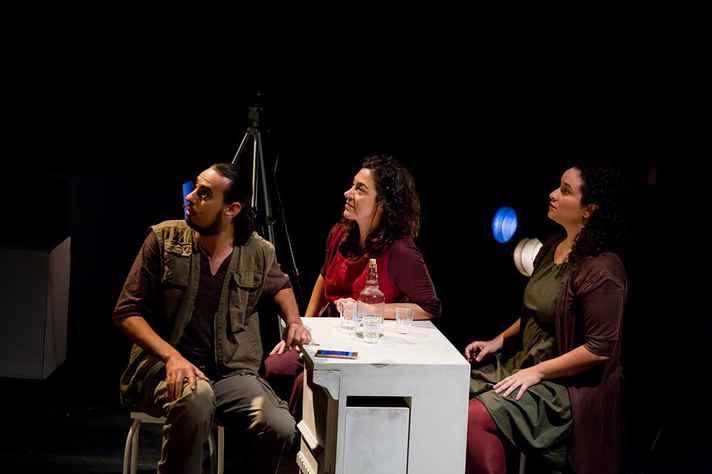 Cena do espetáculo LAMA, em cartaz até este fim de semana no Teatro João Ceschiatti do Palácio das Artes.