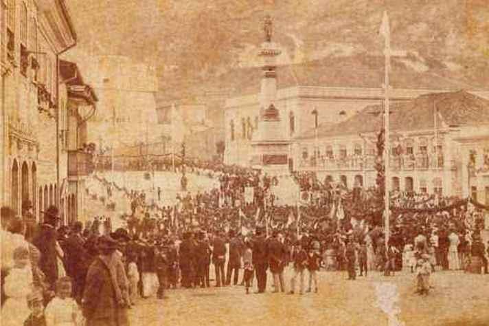 Inauguração do monumento a Tiradentes, em Ouro Preto