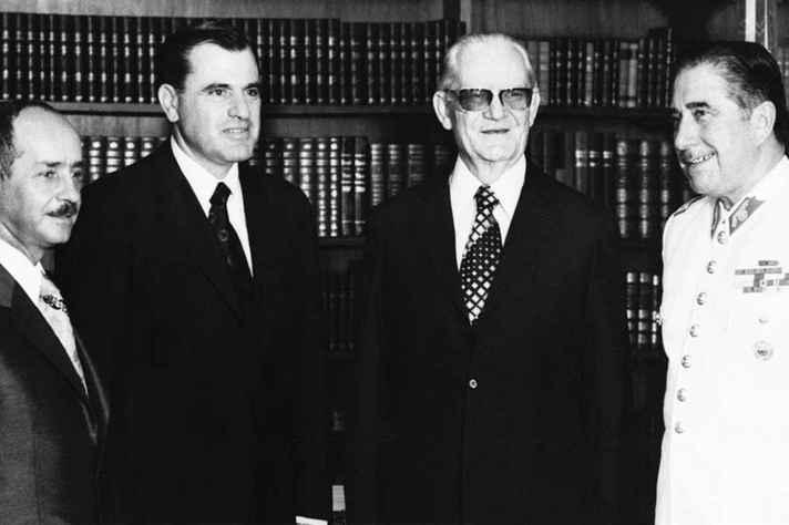 Posse de Ernesto Geisel em 1974, quarto general presidente. Na foto, da esq. para a dir., estão Hugo Banzer, Juan Maria Bordaberry, Ernesto Geisel e Augusto Pinochet.