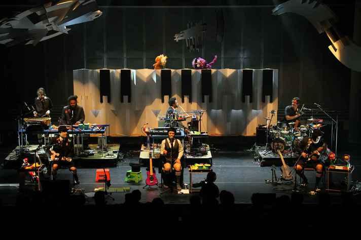 Pato Fu, em apresentação do show 'Música de Brinquedo 2'