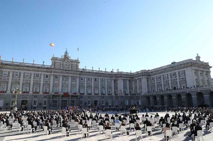 Cerimônia na Espanha homenageou as vítimas do novo coronavírus no país