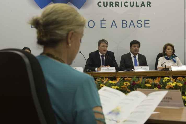 Proposta da Base Comum Curricular é entregue ao Ministério da Educação