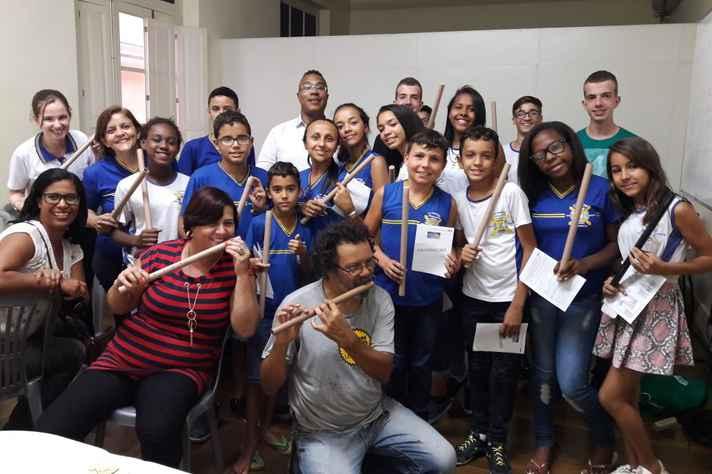 Oficina de flautas proposta por escola de Contagem foi uma das atrações da primeira edição do festival