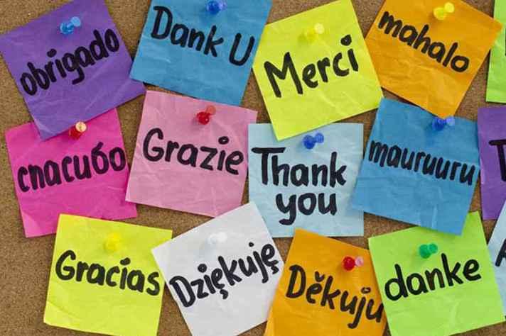Inglês, espanhol, francês, italiano e russo são os idiomas ofertados