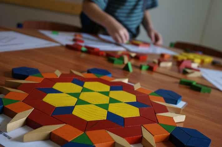 Tangram: jogo composto de peças geométricas