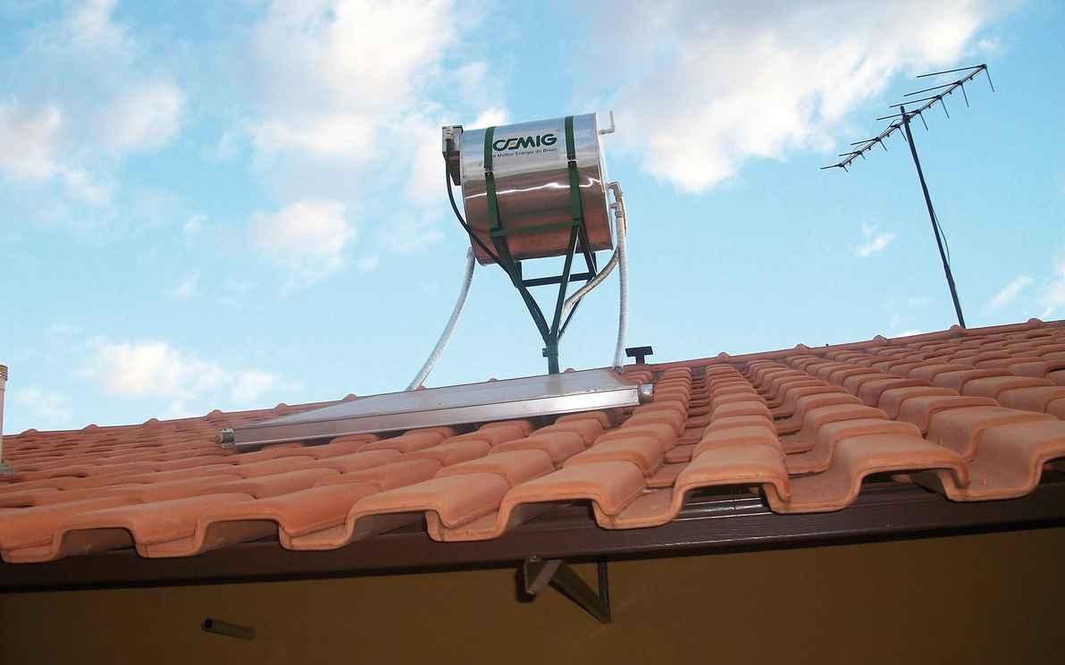 Incentivo ao uso de aquecedor solar poderia compor política de distribuição de renda