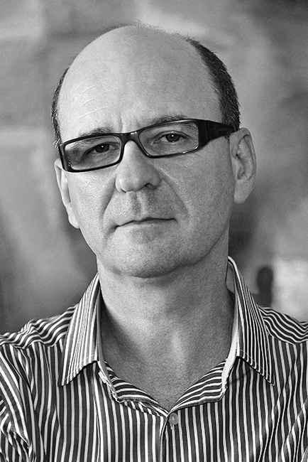Luiz Ruffato: pesquisa explora romance proletário