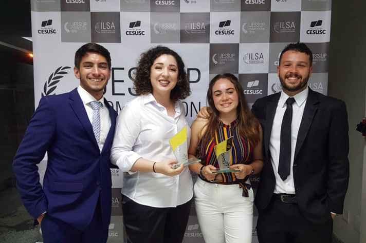 Gabriel Tonelli Pimenta, Sofia Neto Oliveira, Juliana de Carvalho Dias e Thiago Moreira Gonçalves