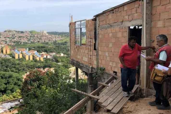 Habitação em área de risco na região leste de Belo Horizonte