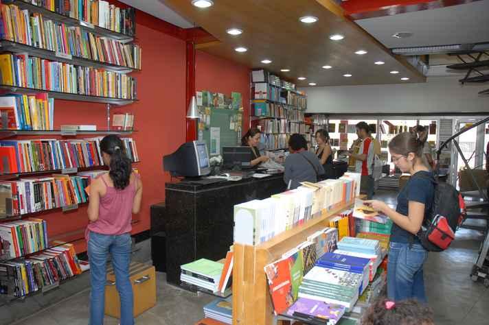 Promoção acontece no Portal da Editora UFMG e nas livrarias físicas
