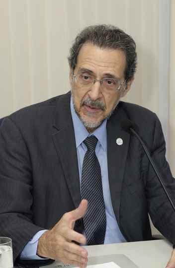 Presidente interino da Fapemig, Paulo Beirão defendeu modelo econômico diversificado