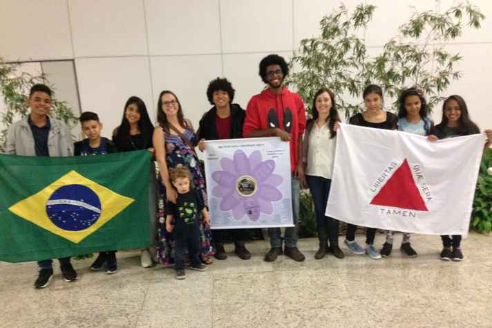 Representantes da equipe do Matemática da Diversidade antes do embarque.