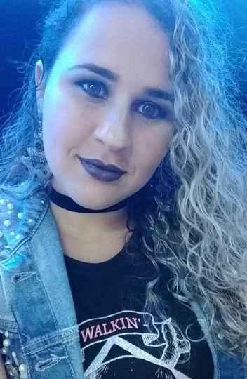 Aline Souza é uma das pessoas que, em meio ao combate ao novo coronavírus, tiveram perdas na renda familiar depois de paralisarem suas atividades profissionais