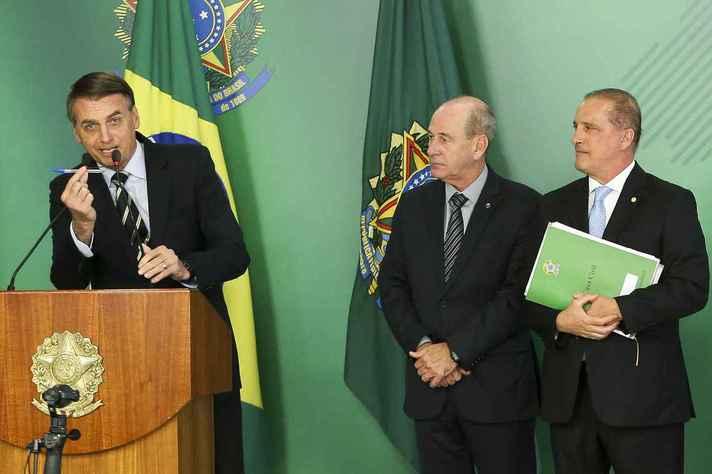Jair Bolsonaro, durante cerimônia de assinatura do decreto que facilita posse de armas no país