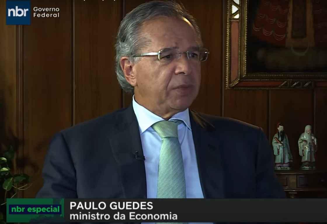 Paulo Guedes apresentou PEC que pode excluir municípios brasileiros