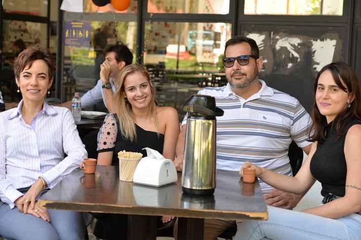 A partir da esquerda, Fernanda Almeida, Thaís de Mérici, Enrrico Bloisi e Thaís Santos