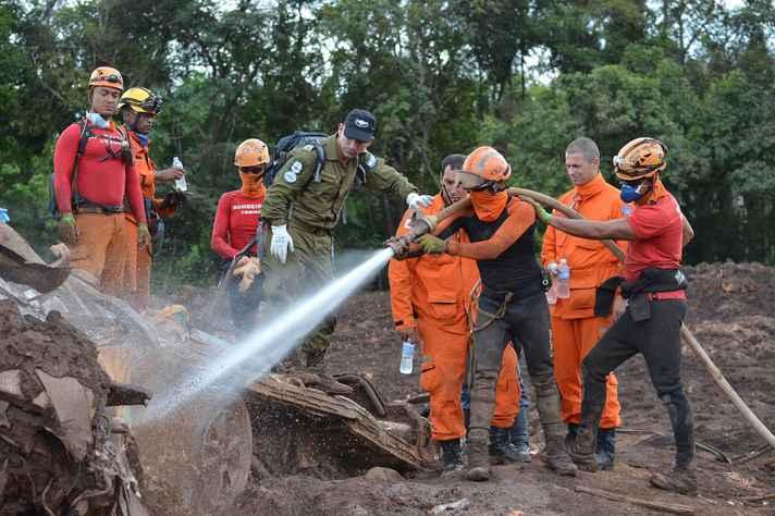 Quase dois meses após o rompimento da barragem, trabalho de busca de corpos continua em Brumadinho