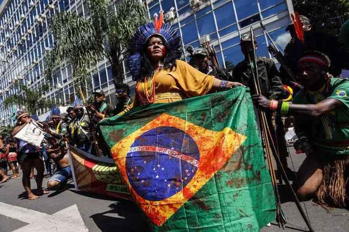 Sonia Guajajara, coordenadora da Articulação dos Povos Indígenas do Brasil, discursou no evento