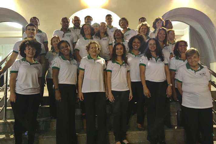 Integrantes do Coral Cantáridas, que se apresenta na abertura do encontro