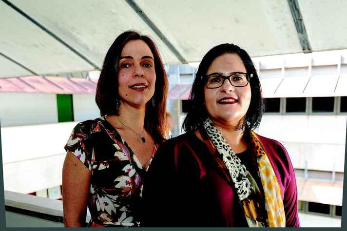 Marisa Carneiro e Ana Larissa Adorno, da Faculdade de Letras: hashtag simboliza a agilidade e permissidade do ambiente digital
