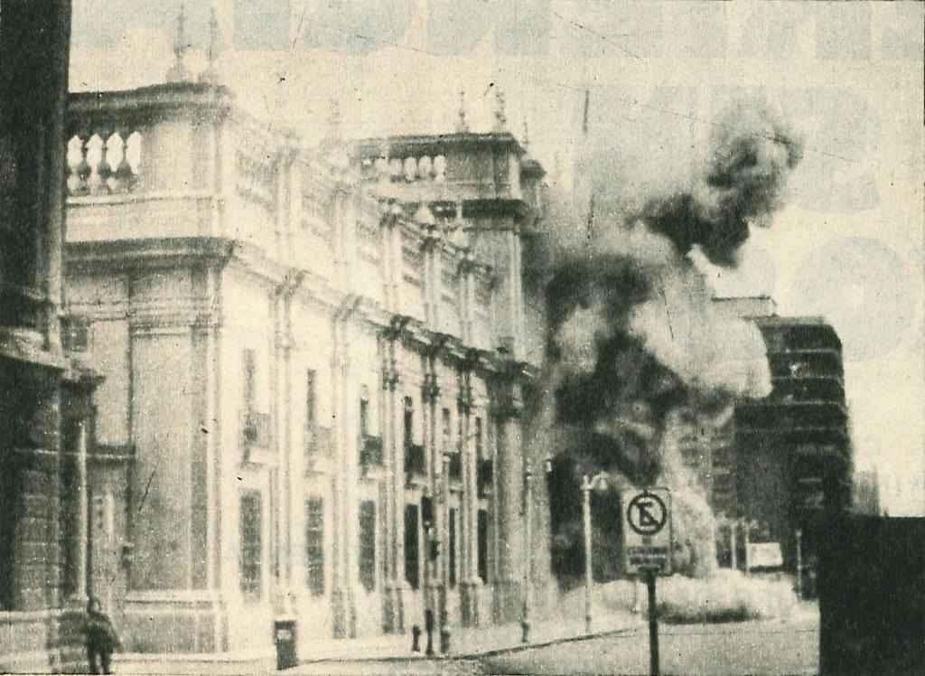 Bombardeio ao Palácio de La Moneda, em 11 de setembro de 1973