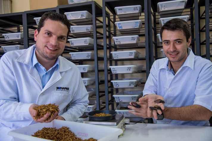 Junio Cota e Diego Costa realizam os estudos