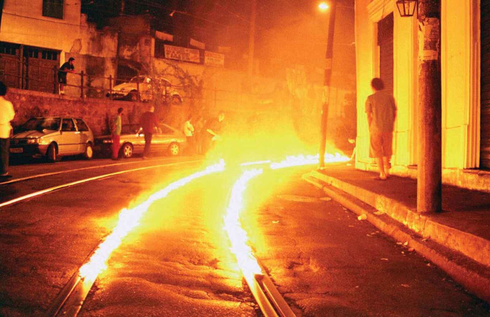Imagem da série de vídeos 'Guerra é guerra', do artista carioca Ronald Duarte