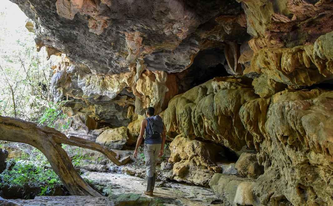 Formação de caverna no Parque Lapa Grande, em Montes Claros. A pesquisa também visa divulgar a grande ocorrência de cavernas no norte de Minas Gerais