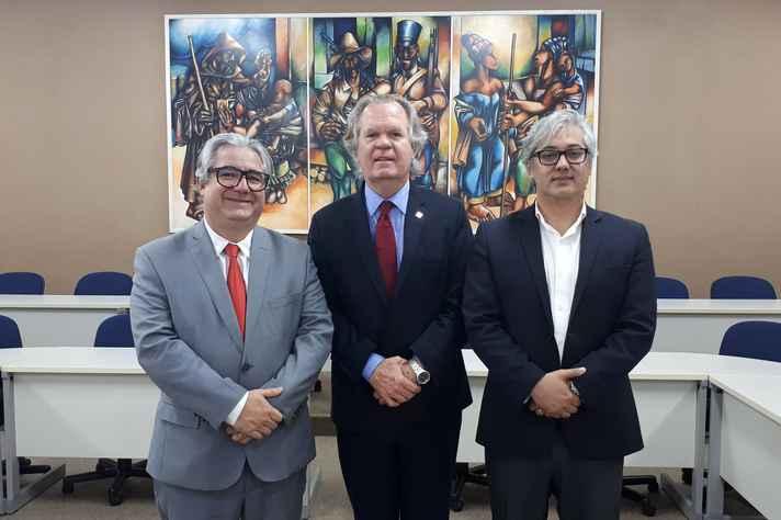 Sandro Amadeu Cerveira, Valden Steffen Júnior e Charles Okama de Souza, presidência do Foripes para 2020