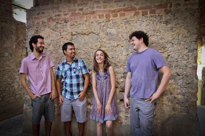 O grupo belo-horizontino, que tem o choro como referência primária, também explora outros gêneros e linguagens da música brasileira