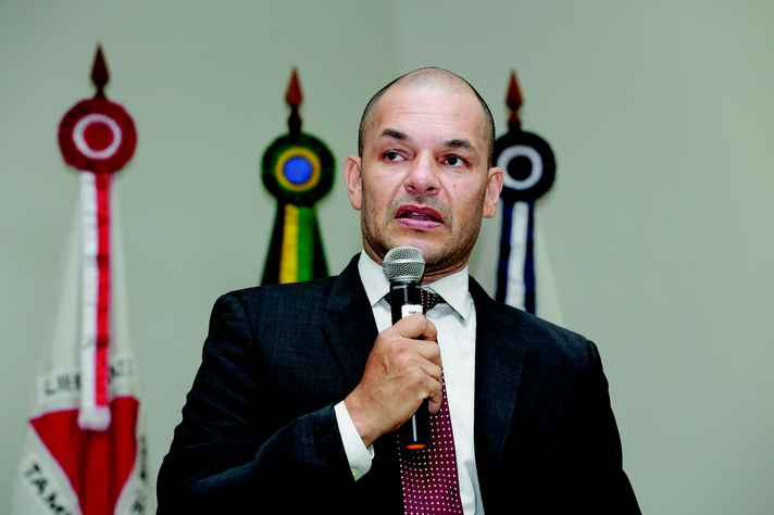 Carlos Basílio: conceito de universidade e perfil esperado de um docente
