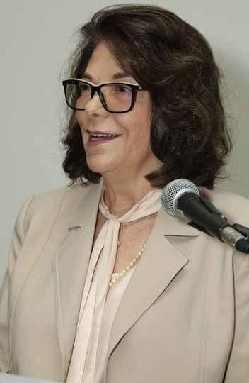 Heloiza Schor: comunicação com a sociedade