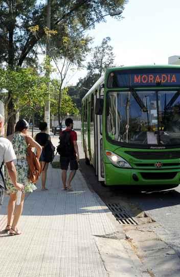 Ônibus moradia