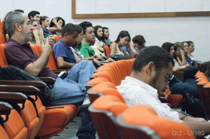 Participantes de edição anterior do seminário de encerramento do Percurso Discente