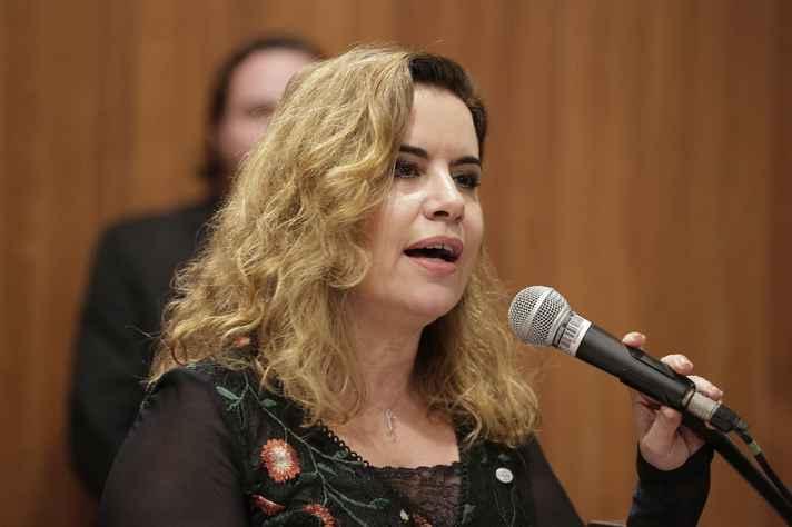Sandra Goulart Almeida: defesa do Estado Democrático de Direito