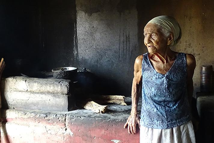 A pesquisadora da UFMG Raquel Barreto conquistou o primeiro lugar com essa fotografia sobre modos de ser da velhice e do trabalho rurais, tema do seu doutorado