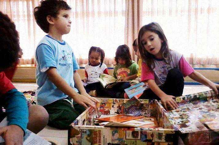 Atividade do projeto Mala de Leitura na Umei Alaíde Lisboa, campus Pampulha