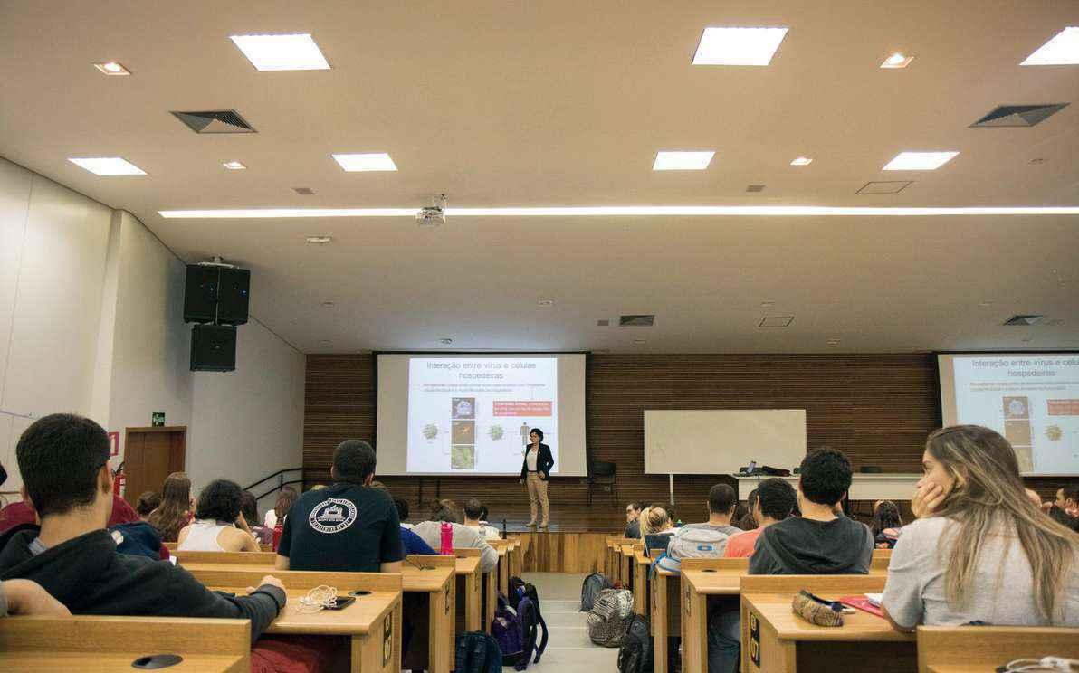 Sala de aula no campus Pampulha: avaliação inclui qualidade de cursos de graduação e de pós-graduação