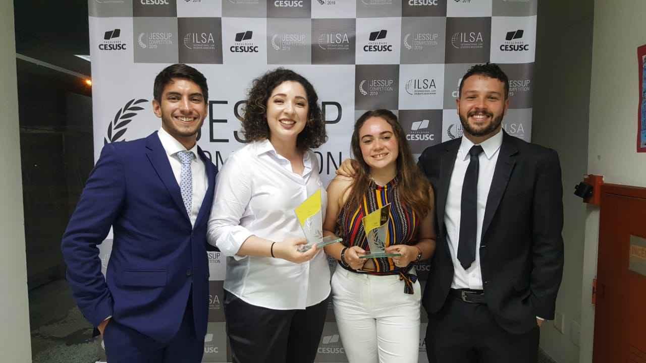 Gabriel Tonelli Pimenta, Sofia Neto Oliveira, Juliana de Carvalho Dias, e Thiago Moreira Gonçalves representaram a UFMG na competição