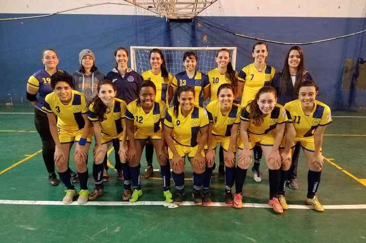 Equipe de futsal feminina que representará a UFMG nos JUBs