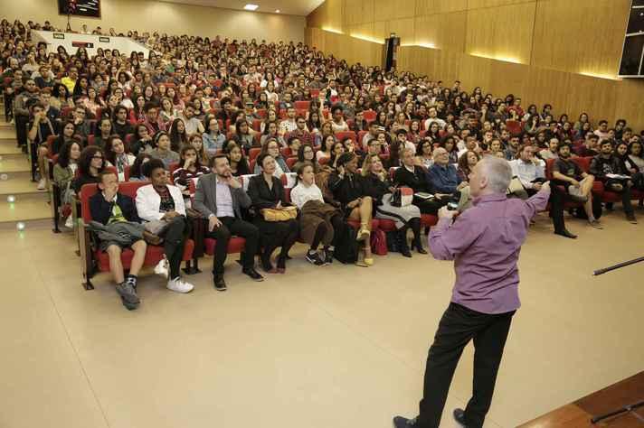 Castelfranchi falou para uma plateia que lotou o auditório do CAD1