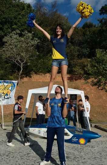 Equipe de cheerleading da atlética Grifo