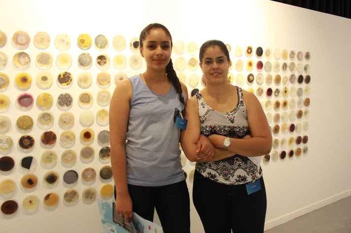 Andréa e Bruna se surpreenderam com o volume de informações disponíveis na mostra