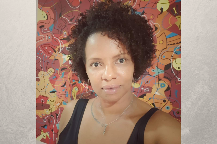 Professora Viviane de Souza Alves do Departamento de Microbiologia da UFMG e chefe do Laboratório de Biologia Celular de Microrganismos da UFMG