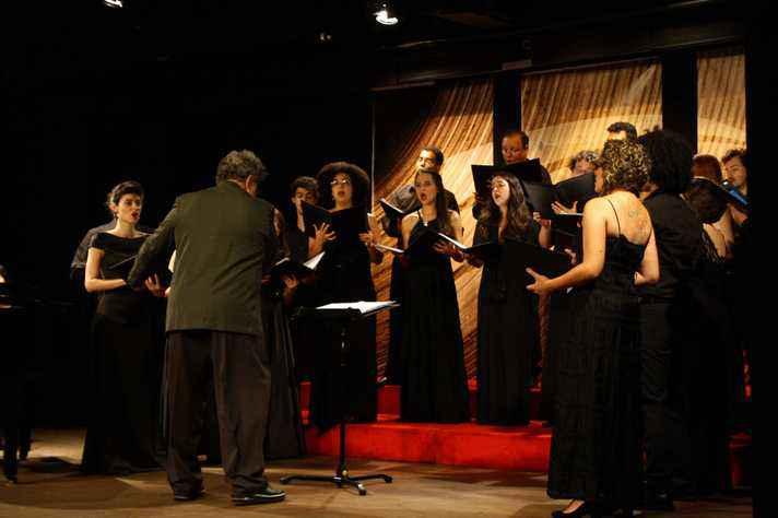 Programa contém peças a cappela e outras acompanhadas por instrumentos