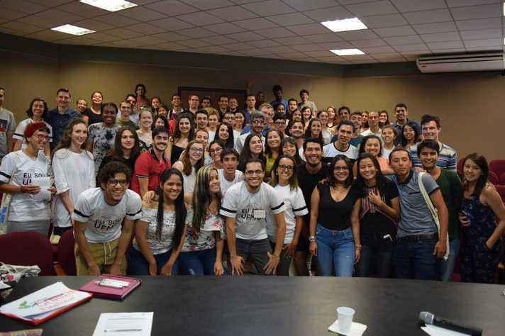 Estudantes reunidos na Semana de Orientação do Estudante Internacional do 1º semestre de 2018